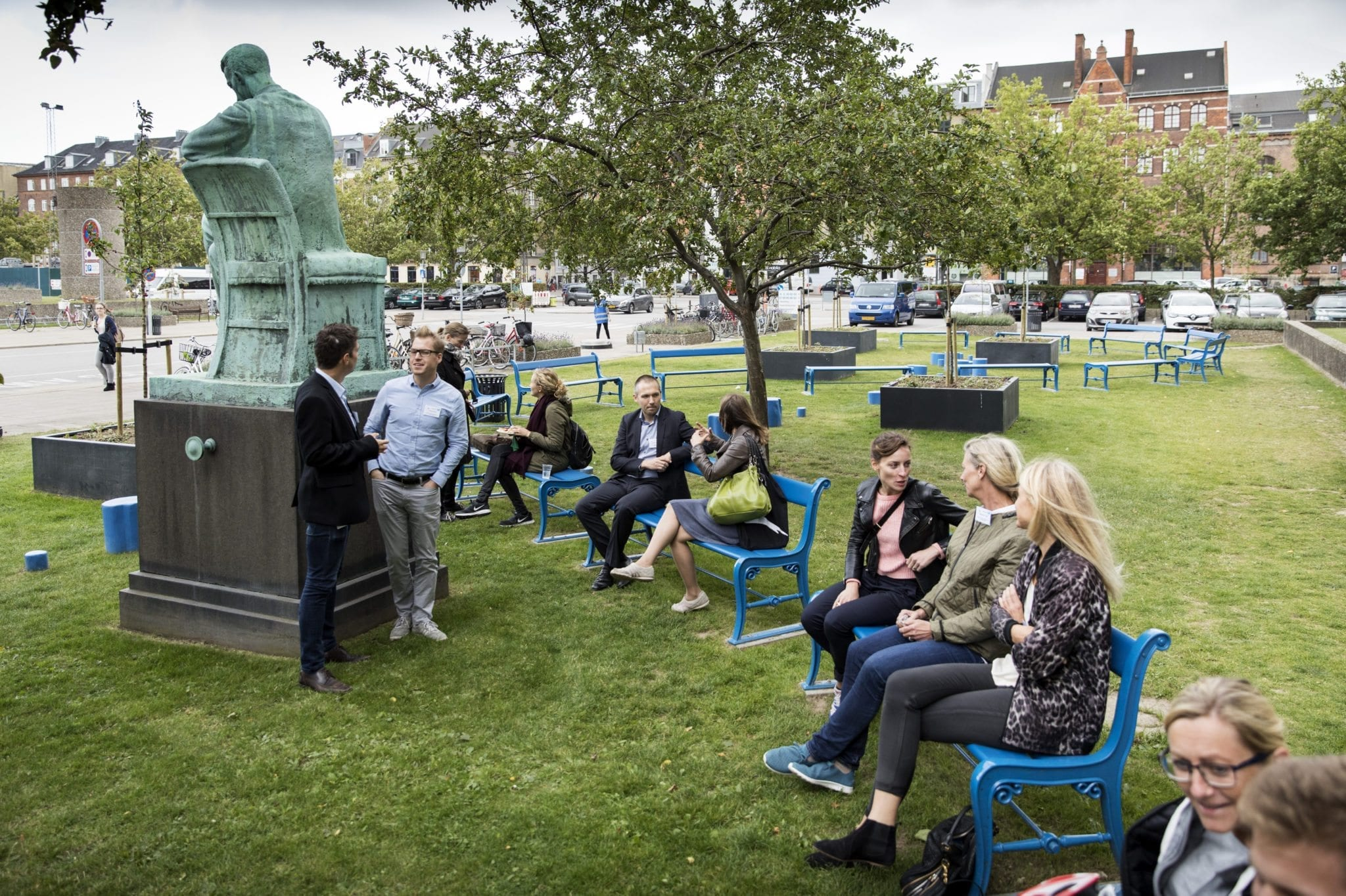 "Rigshospitalet og Copenhagen Science City indvier et nyt mødested, som er opført i ""Vidensbyens"" karakteristiske blå farve på Rigshospitalets område."