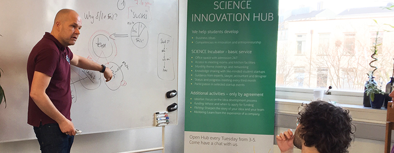 Nicolaj H. Nielsen at SCIENCE Innovation Hub speaking on the importance of Start-up teams