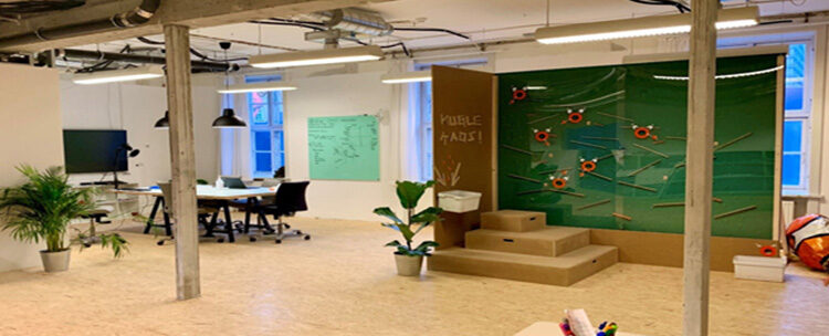 New makerspace FRONTLAB at university hospital Rigshospitalet invites patients, staff and companies to co-create, test and develop new ways of caring for the sick.